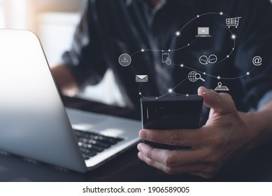 Digital marketing media (website ad, email, social network, SEO, video, mobile app) E-commerce and online shopping concept with icons, Pay Per Click (PPC) dashboard, business technology development