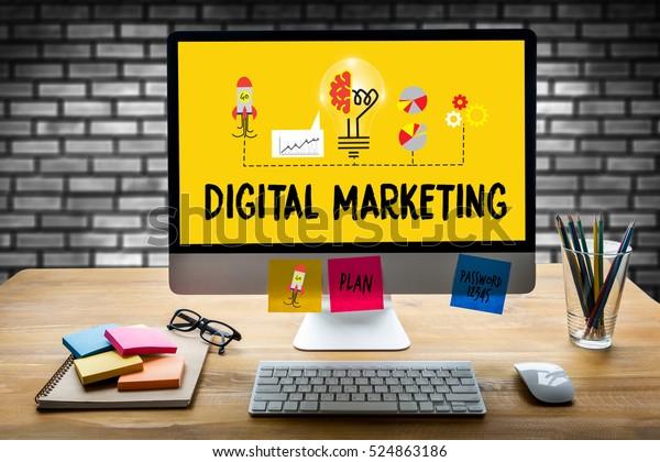 DIGITAL MARKETING nuevo proyecto de puesta en marcha el trabajo de análisis y publicidad man brainstorming a la marca seo