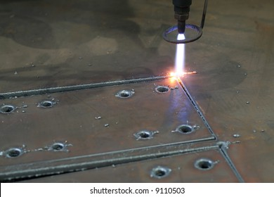 Digital portal type thick metal sheet plasma and gas shearing with
