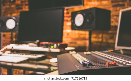 digital recording, broadcasting, editing & post production studio, music background