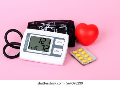 digital sphygmomanometer with stethoscope and