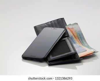 digital wallet concept malaysia currency image on the smart phone