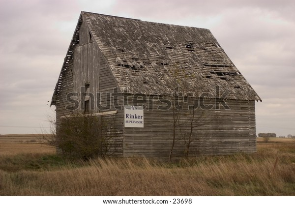 Dilapidated barn in rural Iowa