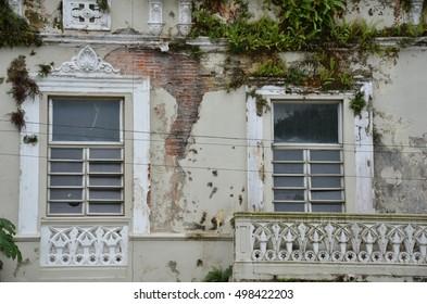 dilapidated building in Arecibo, Puerto Rico