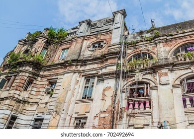 Dilapidated house in the center of Kolkata, India