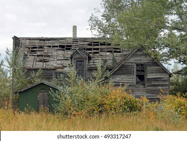 Dilapidated Wooden Buildings of an Old Oregon Homestead