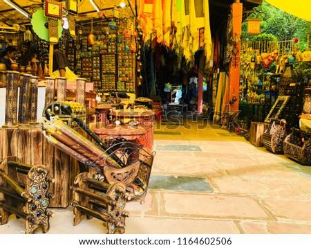 Dilli Haatnew Delhiindiasunday 26 August 2018 Handicrafts Shop Stock