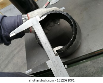 Dimensional inspection of pipe fitting carbon steel was carried out to verify the overall accuracy dimension such as OD, ID, bevel angle, root face, wall thickness, off-angle, off the plane, taper bor