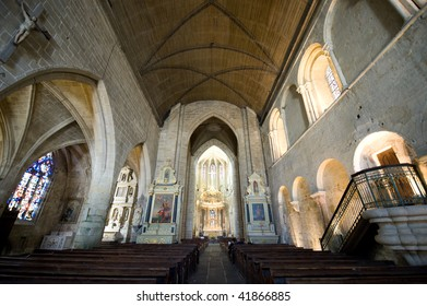 Dinan (Cotes-d'Armor, Brittany, France) - Interior of the Saint-Saveur church, in gothic style: stained glass