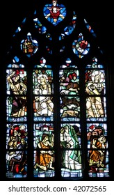 Dinan (Cotes-d'Armor, Brittany, France) - Interior of the Saint-Malo church, in gothic style: stained glass