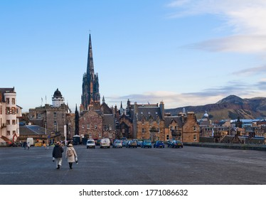 dinburgh, Scotland – December 10, 2012: View of old city from the Castle