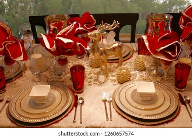 Dining table setting with white and red Christmas theme