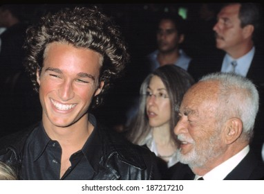 Dino DeLaurentiis with his son at the premiere of RED DRAGON, 9/30/2002