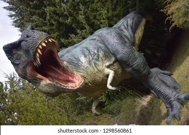 Dinosaurs Are Still Alive Images Stock Photos Vectors Shutterstock