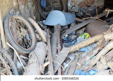 Diogenes syndrome -compulsive hoarding (senile squalor syndrome), obsessive compulsive disorder