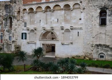 Dioklecijanova palača antičkih građevina na hrvatskom tlu  - Shutterstock ID 1894053799