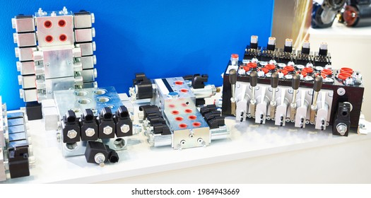 Directional control valve parts of hydraulic systems in store exhibition