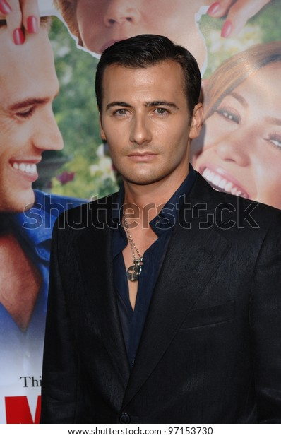 Director ROBERT LUKETIC at the Los Angeles premiere of his new movie Monster in Law. April 29, 2005 Los Angeles, CA.  2005 Paul Smith / Featureflash