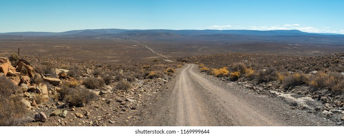Dirt road between Sutherland and Middelpos. Karoo. Northern Cape. South Africa.