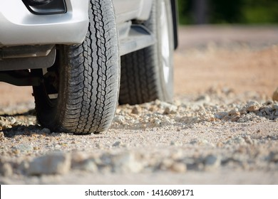 Dirt road tire on dirt track