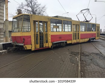 dirty tram is broken. Out of rails.
