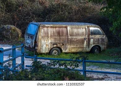 dirty white buss