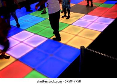 Disco-floor-kids-dancing
