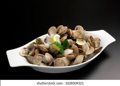 Dish of fresh clams