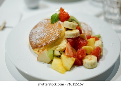 a dish of fruits pancake