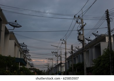 satellite dish and wires Images, Stock Photos & Vectors