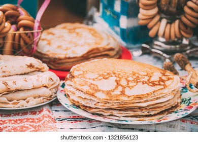 The dishes of the traditional Belarusian cuisine - pancakes. Attribute of traditional folk celebration of Maslenitsa.