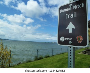 Dismal Nitch trail sign - by Columbia River in Washington State
