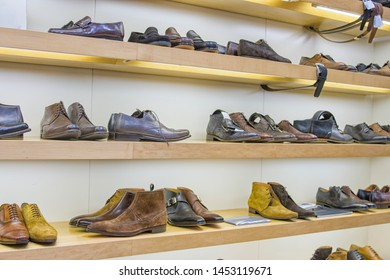 Display of beautiful leather man's shoes in shop