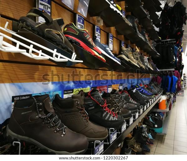 Display Karrimor Safety Shoes On 111018