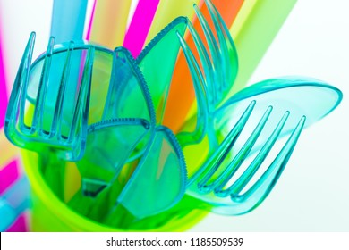 Disposable tableware made of colorful plastic