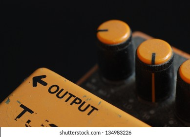 Distortion Pedal Guitar effect, output side