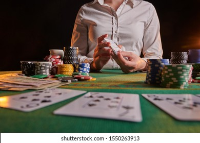 Distribution of cards to the dealer, casino, gaming business.