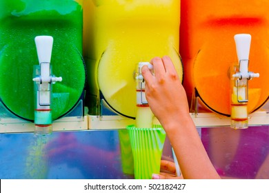 distributor of granita tastes of orange, lemon, mint, smurf, passion fruit, ready to cool you in the hot months.