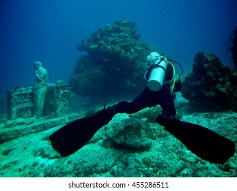 Dive in the Cancun Sea