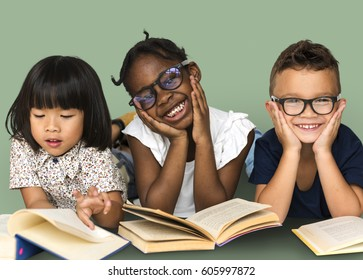 Diverse Group Of Kids Study Read Book