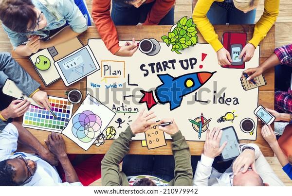 Concepto de personas que trabajan e inician negocios