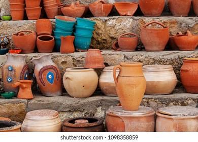 Diverse turkish pottery