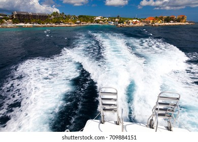 diving boat off the coast of curacao