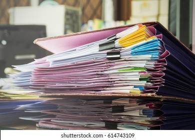Division of documents on the accountant's desk