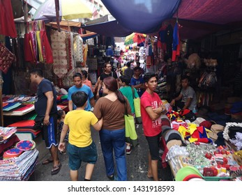 Divisoria manila 10 6 2019 People come to buy bargain price for item in wholesale quantity . They will resale their product at higher price.