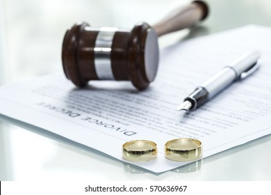 Divorce decree form with ring