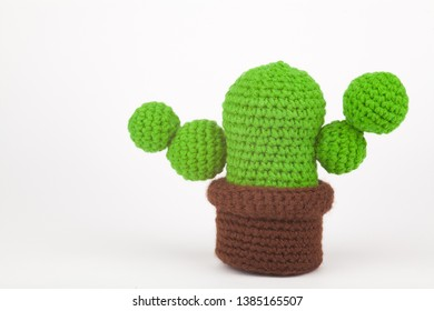 How to Make a Knitted Cactus | DeSerres | 280x390