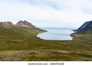 Djupavik Bucht und Ort in den Westfjorden auf Island