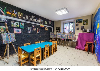 Dmitrov, May-25-2019: Art room for drawing education and creative abilities of children. Drawing education klass