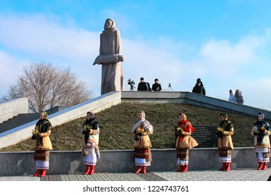 Dnepropetrovsk, Ukraine. 22,10  2014. People commemorate the dead near the memorial to the victims of the Holodomor. Monument  in the Ukrainian city Dnepr, Dnipropetrovsk